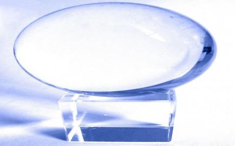 Palla ovale di cristallo